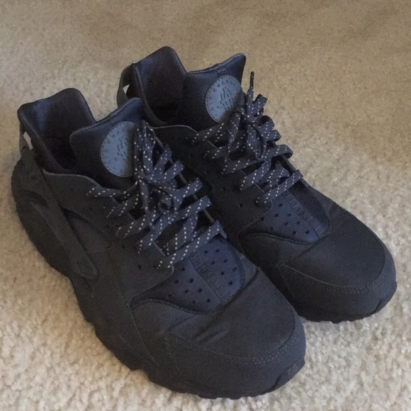 best sneakers 5e96a 58366 Special Edition Nike Huaraches